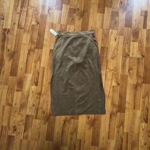 Aritzia Skirts - New Aritzia cremazie skirt camel new with tags